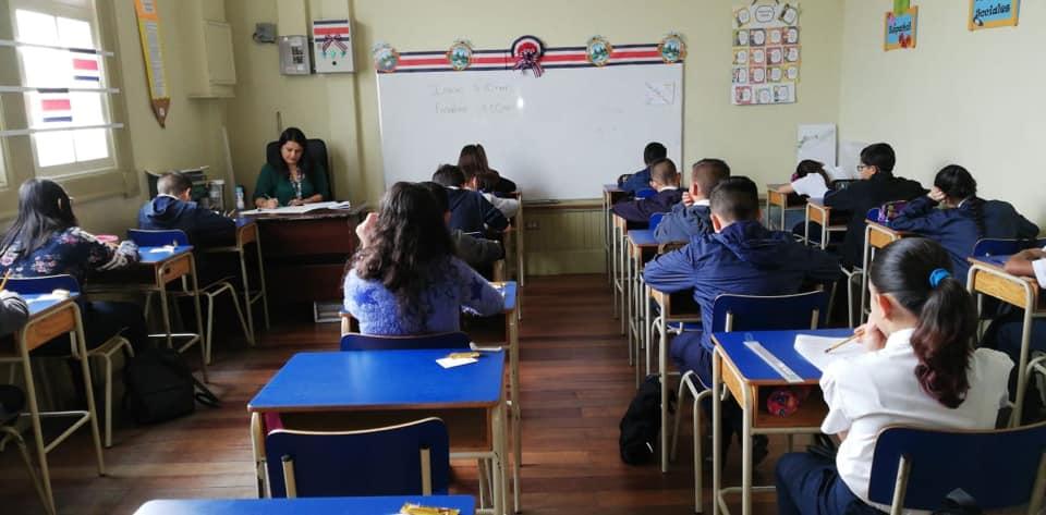 COVID-19 obliga al MEP a reprogramar calendario escolar