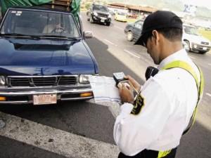 Los conductores disponen hasta el 26 de junio para completar formulario y recibir notificaciones relacionadas con la Ley de Tránsito. CRH