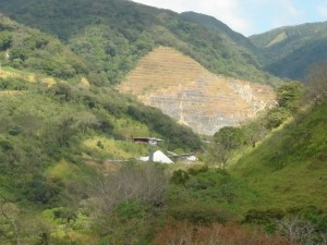 El 23 de enero los Mineros de Bellavista presentaron un recurso de revocatoria  en SETENA a la resolución que les negó la ampliación a Aguas Buenas de Miramar.Archivo CRH