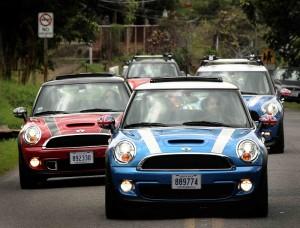 Los carros que se les hará el cambio, son de última generación. Foto: Mini Costa Rica