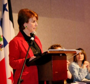 Ministra de Trabajo, Sandra Piszk anuncia hoy propuesta salarial del sector privado para el primer semestre del 2013.