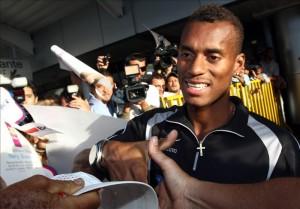 En la imagen, el campeón panamericano y mundial bajo techo de los 400 metros planos, el costarricense Nery Brenes. EFE/Archivo