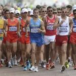 Imagen del comienzo de la prueba masculina de 20 kms marcha, correspondiente a los Juegos Olímpicos de Londres 2012 disputado en Londres, Reino Unido, el día 4 de agosto de 2012. EFE