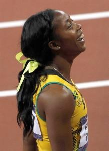 La jamaicana Shelly Ann Fraser-Pryce tras ganar la prueba de 100 metros lisos de la competición olímpica de atletismo, hoy 4 de agosto de 2012 en el Estadio Olímpìco de Londres. EFE/Alberto Estévez