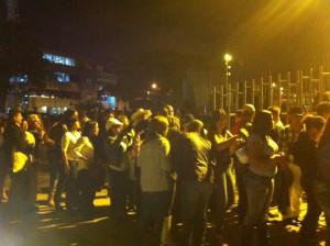 En las afueras del Estadio Nacional las filas son la constante.