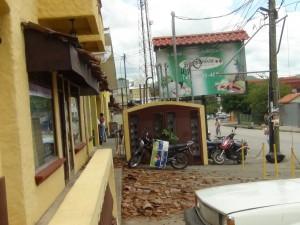 Autoridades corren para restablecer servicios básicos en zonas afectadas.
