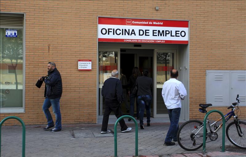 El n mero de desempleados en espa a sube en septiembre for Numero de la oficina del inem