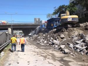 Inicia colocación de losas de aproximación en puente de Tibás sobre Ruta 32.CRH