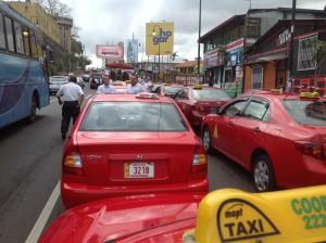 Los taxistas deberán cancelar 18 mil colones a RACSA por trámite administrativo. CRH