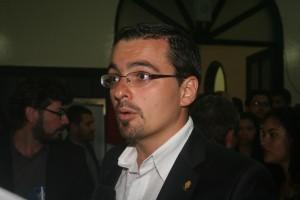 Diputado José María Villalta rompió el protocolo.