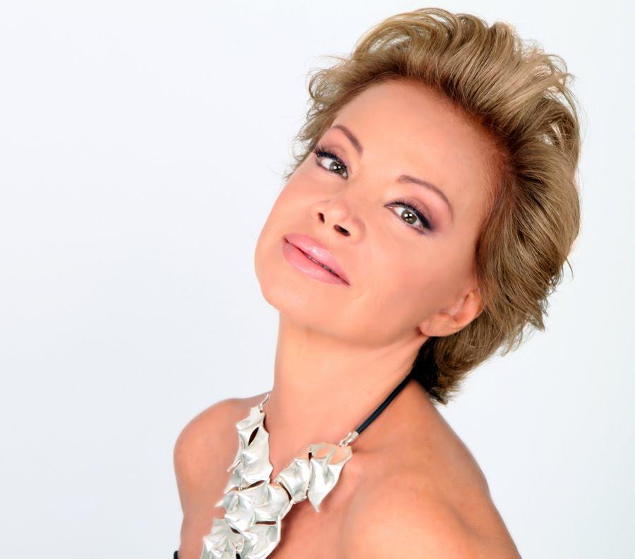 Hoy Paloma San Basilio publica su blog Ciento Volando , en el diario ...