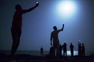 """Fotografía titulada """"Señal"""", realizada por el estadounidense John Stanmayer, que ha ganado el World Press Photo, según informó la organización del prestigioso galardón con sede en Amsterdam (Holanda) mediante un comunicado. EFE/John Stanmeyer/VII Agency/National Geographic"""