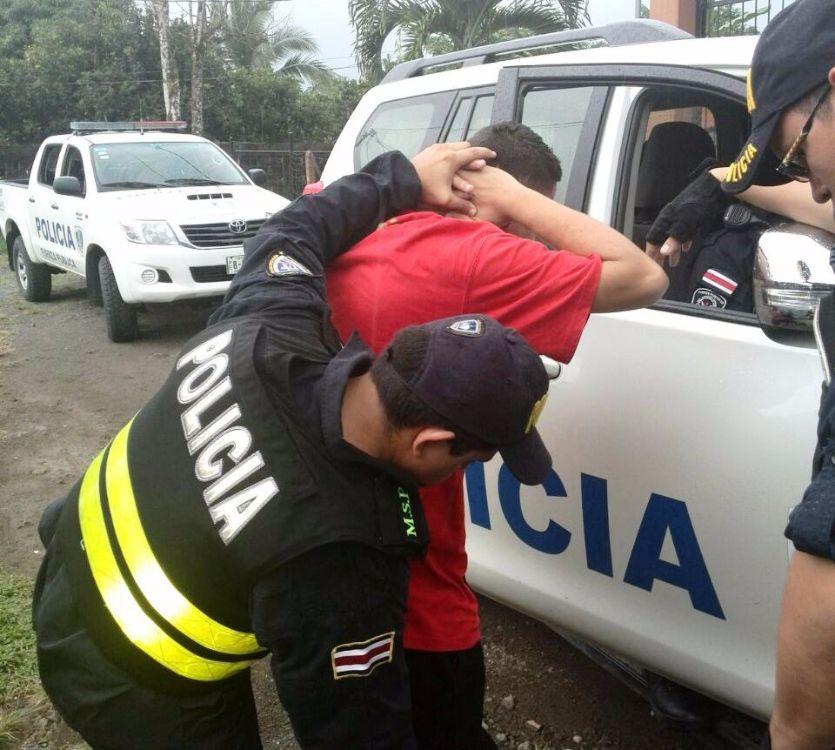 Ladrones caen por robar celulares en purral y moravia for Ministerio de seguridad telefonos internos