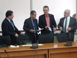 Las autoridades del Minae, ICE, Racsa y el Micitt comparecieron por el tema Racsa. (CRH)