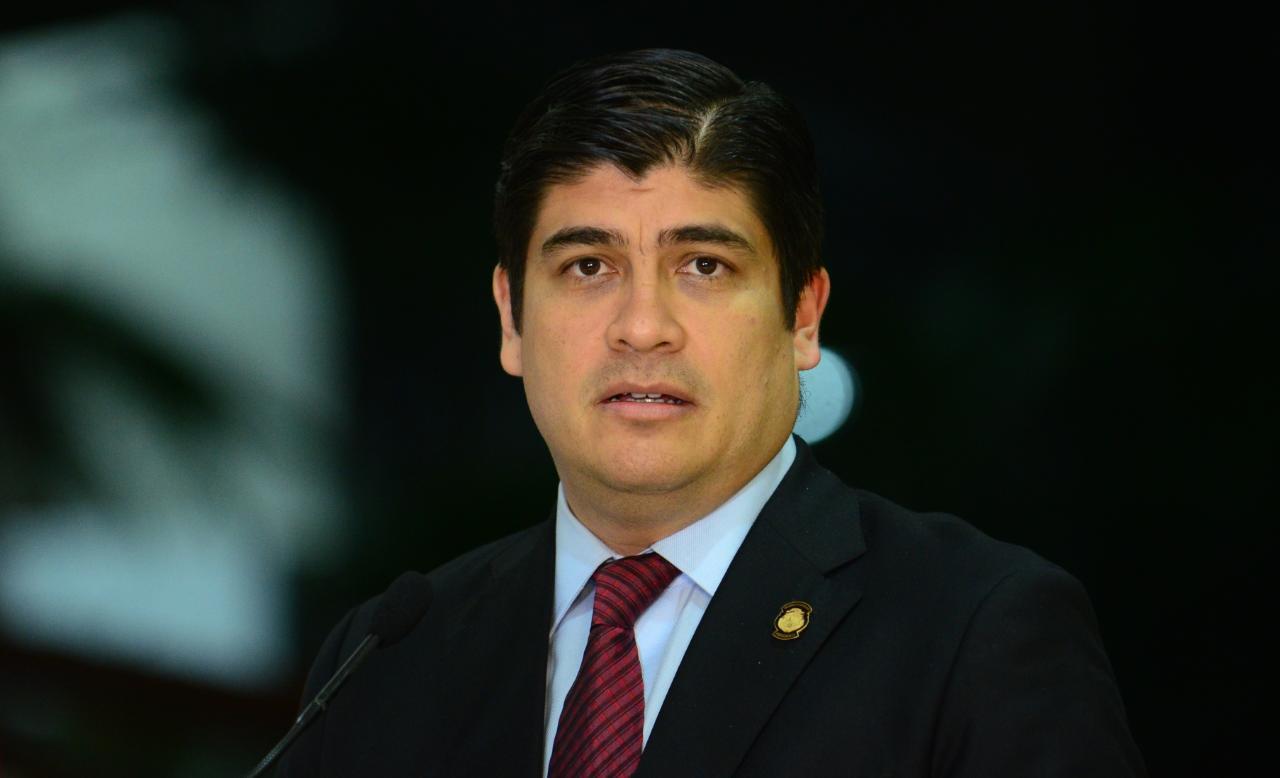 Rotación de jerarcas en ministerios clave golpea gestión de Carlos ...